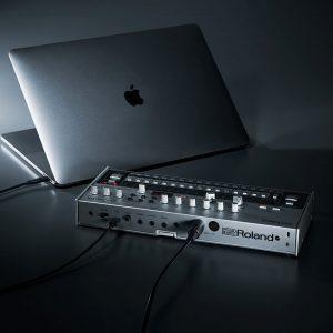 Roland TR-606のサウンドと外観を忠実に再現し、改良も加えられたリズムマシン「TR-06」が登場!