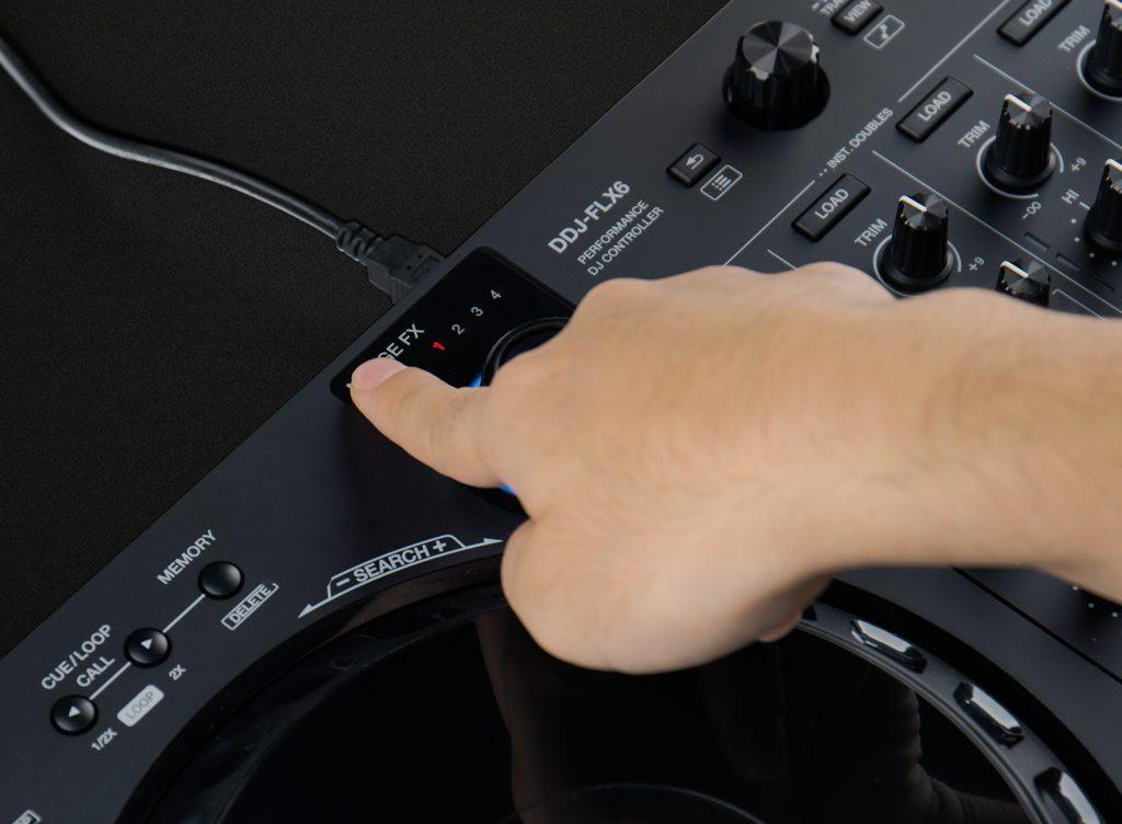Pioneer DDJ-FLX6 MERGE FXボタン使い方1お好みのMERGE FXを選択しノブを押す