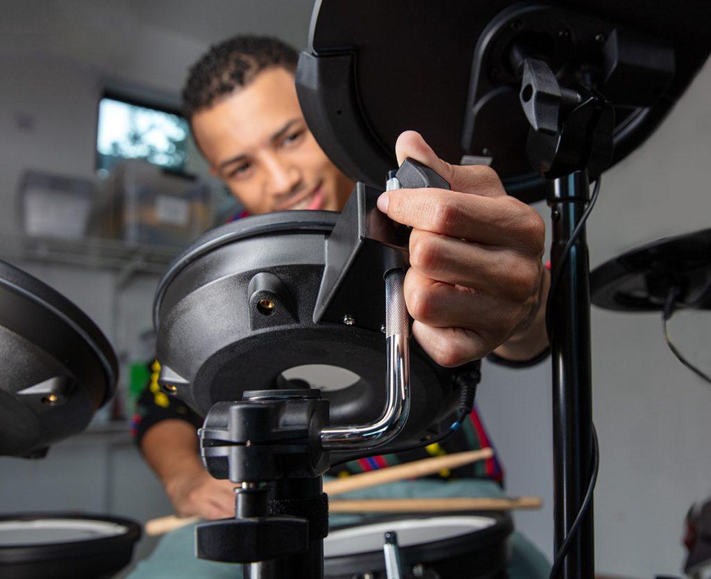 Roland TD-07KV 電子ドラム ドラムキット スタンドイメージ画像