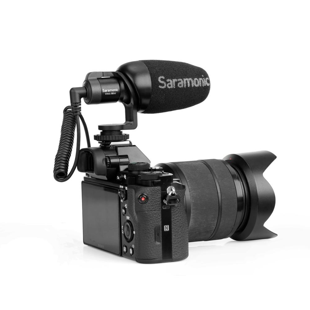 Saramonic Vmic Mini デジタル一眼レフ ビデオカメラ スマートフォン用 コンデンサーマイク デジタル一眼レフカメラ取り付けイメージ画像 裏側