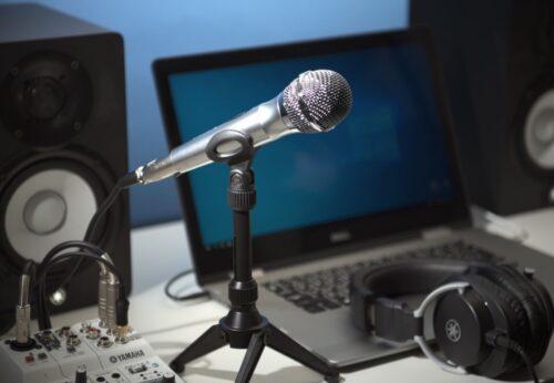 YAMAHAよりスピーチ、カラオケ、音楽用途など様々な用途に最適なON/OFFスイッチ付きダイナミックマイク登場!