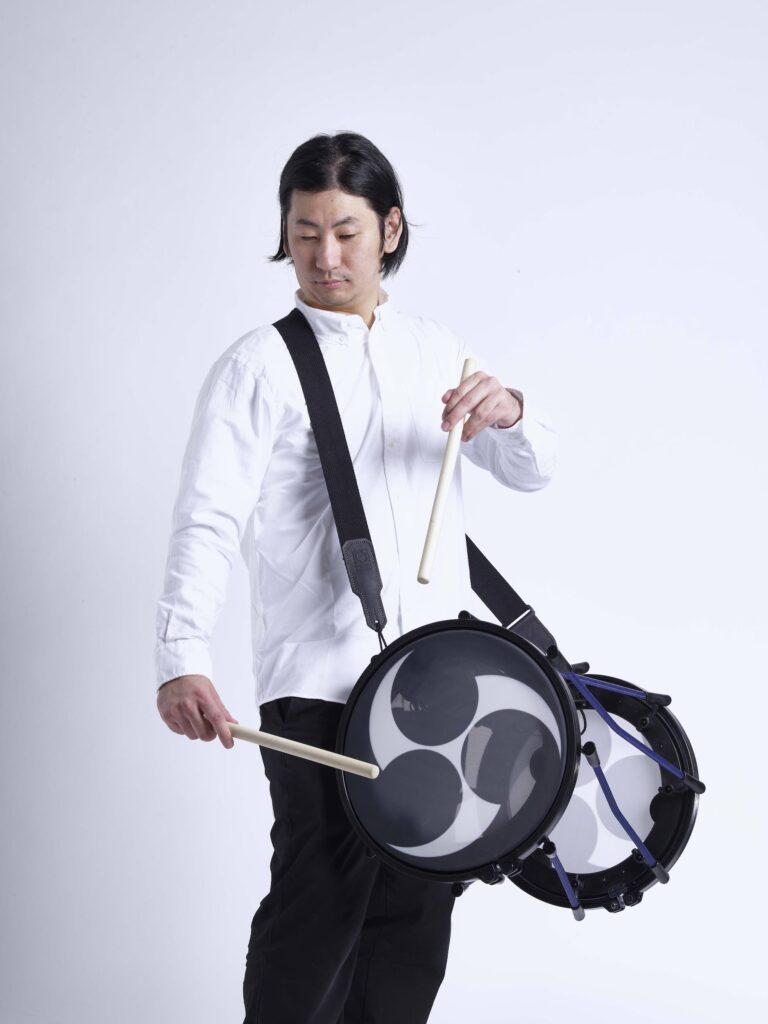 Roland Taiko-1 演奏時イメージ画像 担ぎ太皷スタイル