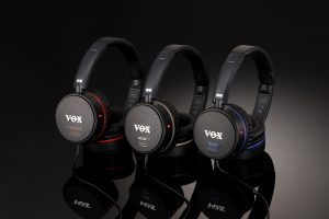 ヘッドホン一体型アンプ VOX amPhonesシリーズ最新モデル 究極のプラグ&プレイ環境!