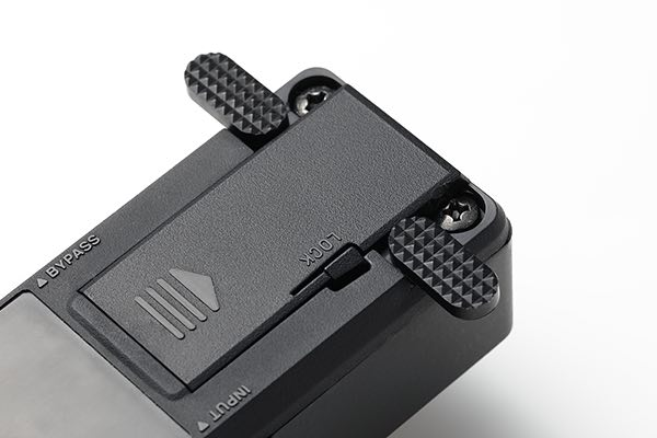 KORG PB-MINI pitchblack mini背面の転倒防止スタビライザー