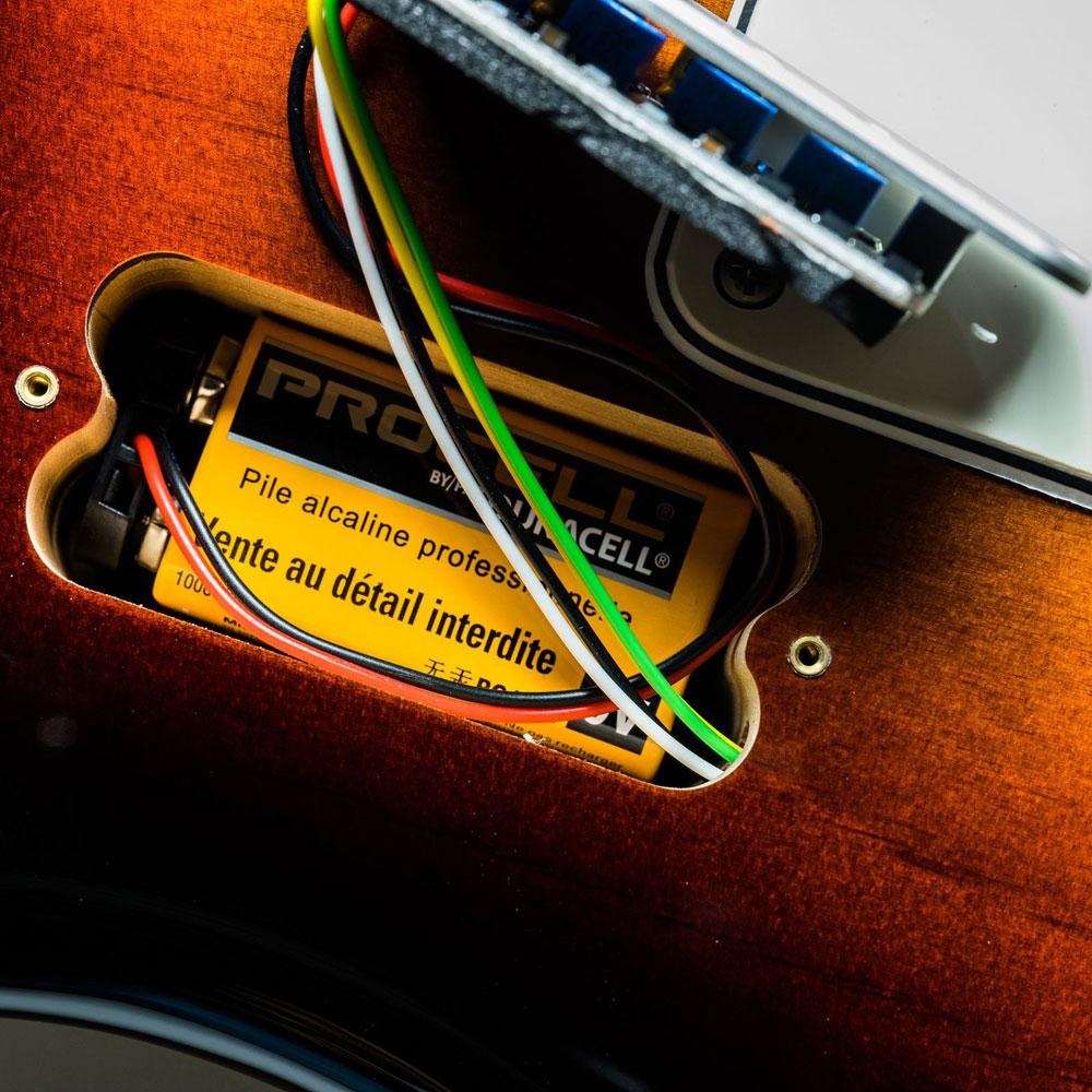 KARDIAN/カージアン Iodoform / ヨードホルムオンボードプリアンプとは違う、キャラクターモジュール シルバー 取り付け例 9V電池も同時に収納