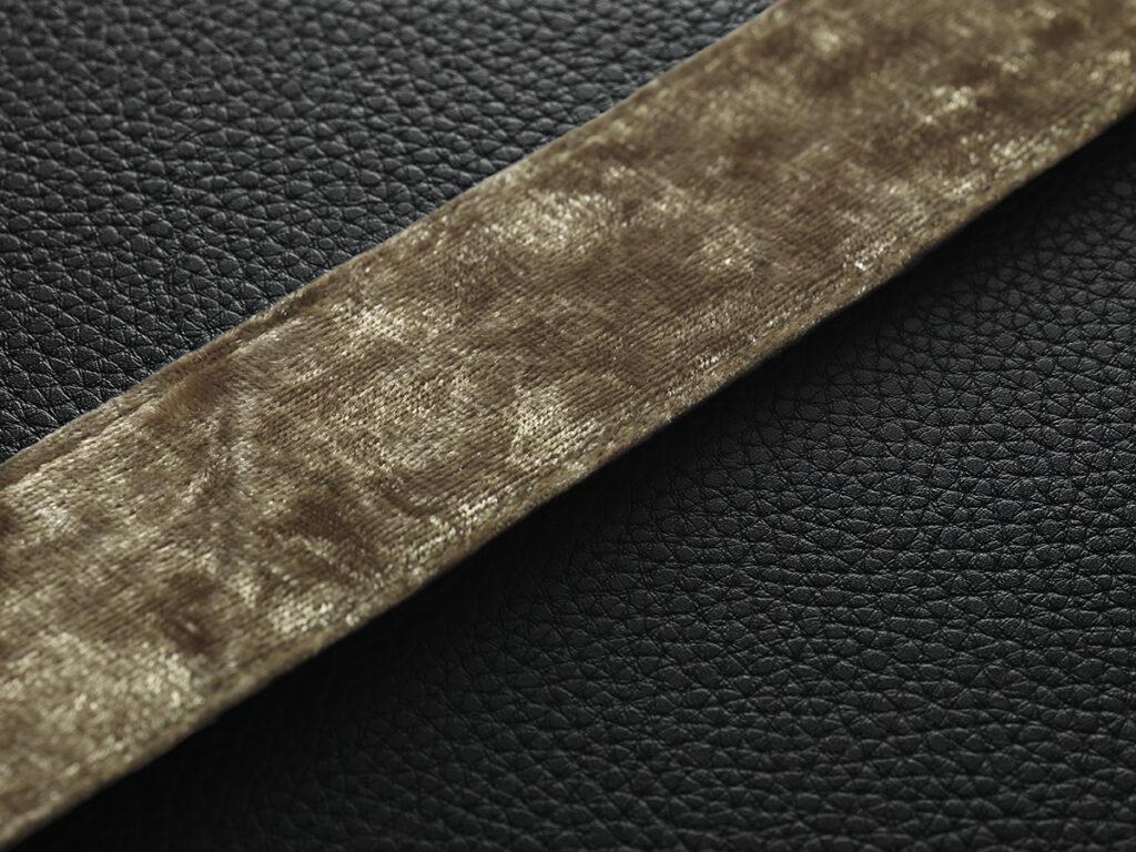 MARSHALL KILBURN Ⅱ Black and Brass ワイヤレススピーカー ハンドル拡大部画像